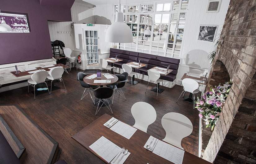 thai street cafe restaurant and bar